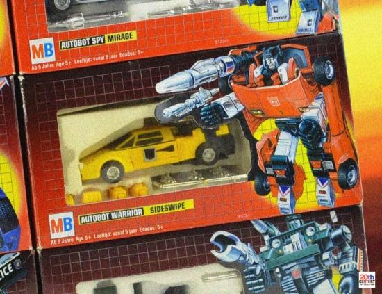 mb-autobot-cars-wall-sunswipe