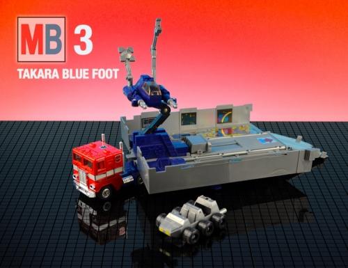 mb-optimus-prime-takara-blue-foot-grey-roller-flattened-4-3_0