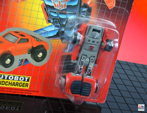 transformers-windcharger-mb-front-closeup-bot