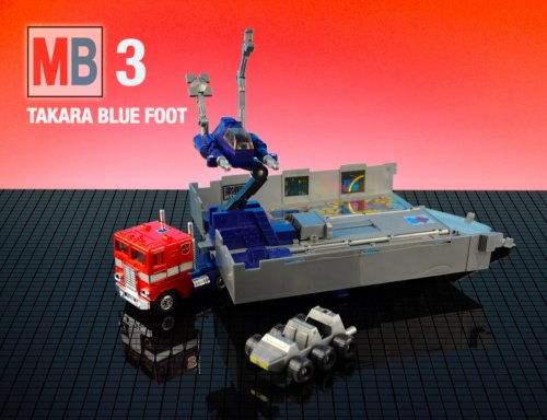 mb-optimus-prime-takara-blue-foot-grey-roller-flattened-4-3_0
