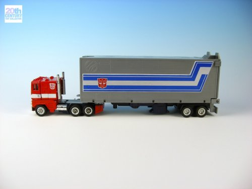 mb-optimus-prime-red-foot-alternate-mode-1