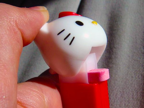 800px-hello_kitty_pez_dispenser_open_ii_cc-by-2-0-deborah-austin_0